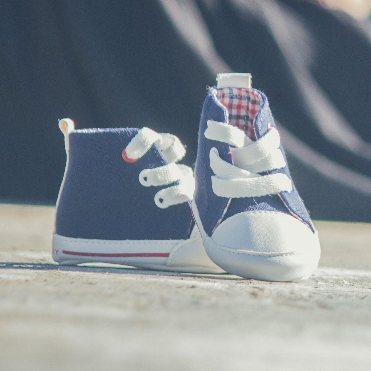 Chaussons de naissance sneakers fille